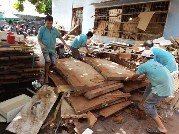 Nguyên liệu sản xuất gỗ tự nhiên.