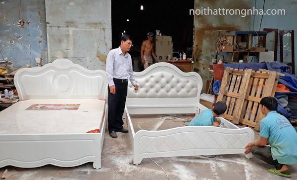 giường ngủ gỗ sang trọng
