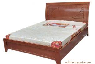 Giường ngủ phủ vân gỗ